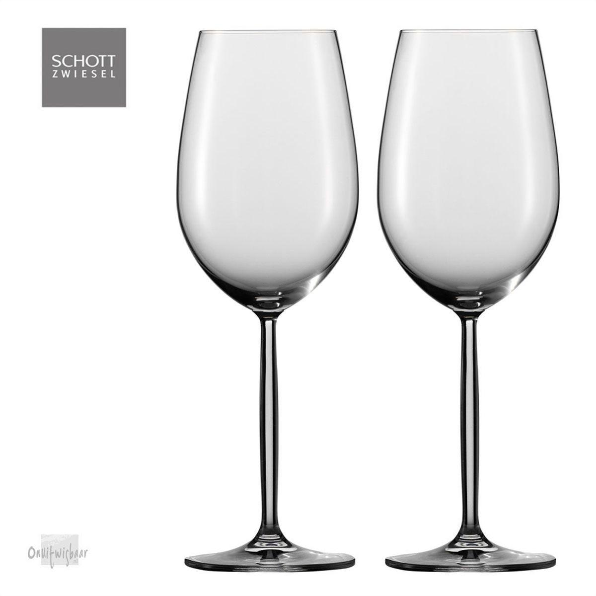 2 rode wijnglazen diva